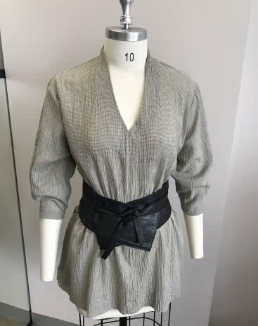 "Ascot Tunic and Belt By Style Arc - This tunic features a ""V"" neck which is designed to hug the neck. Also featuring a fashionable darted sleeve and dropped shoulder.Belt pattern is included."