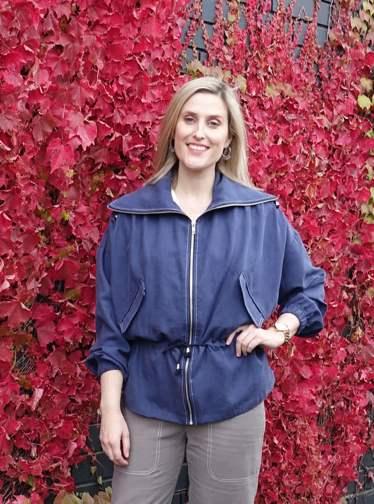 Austin Jacket By Style Arc - Easy fit zip front Anorak jacket with draw string waist, collar and jet pockets.