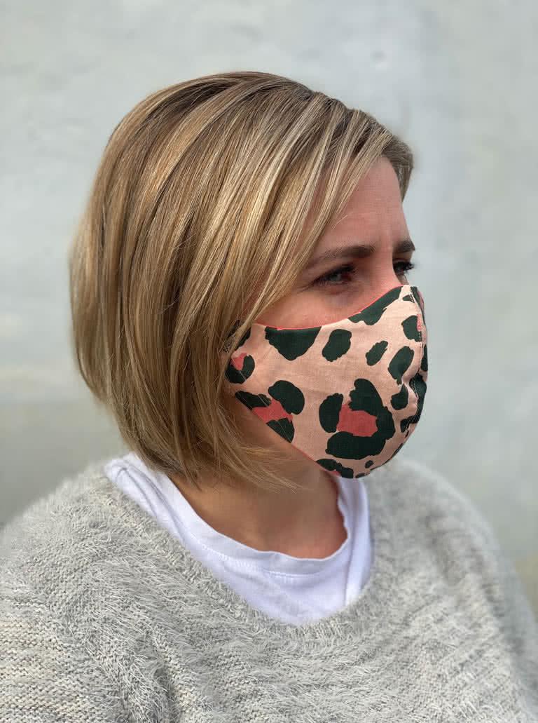 Style Arc's face mask - Free downloadable PDF pattern . SIZE M