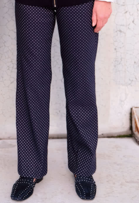 Linda Stretch Pant and Dobby Jacquard Navy Bengaline Fabric Bundle